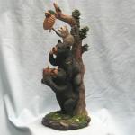 Статуэтка енотик с медведями