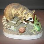 Сувенир енот со зверями,люгушка черепаха