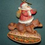 игрушка новогодняя дед мороз на еноте