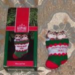 новогоднее украшение енот в носке