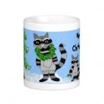 raccoon_christmas_scene_mugs-r0dd2deccd99642bf899c942f8e973cc0_x7jg5_8byvr_324
